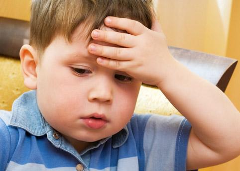 Полезны ли капли в нос для детей? Правильно выбираем и закапываем
